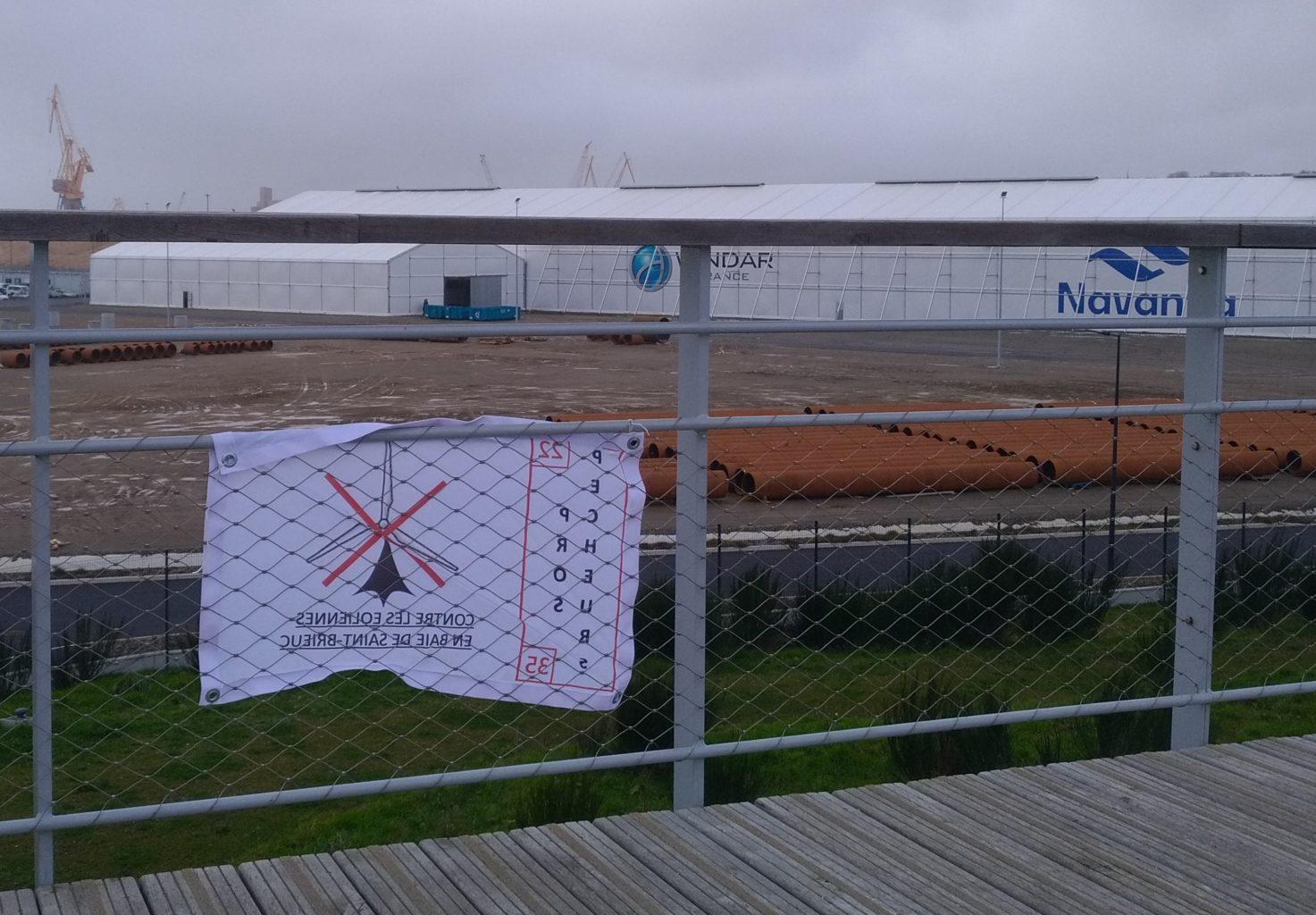 Projet éolien en mer Saint-Brieuc - emploi local parc éolien Saint-Brieuc Tente QUECHUA
